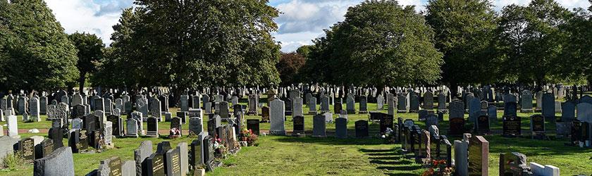 Kirche und Friedhof in Oberrad